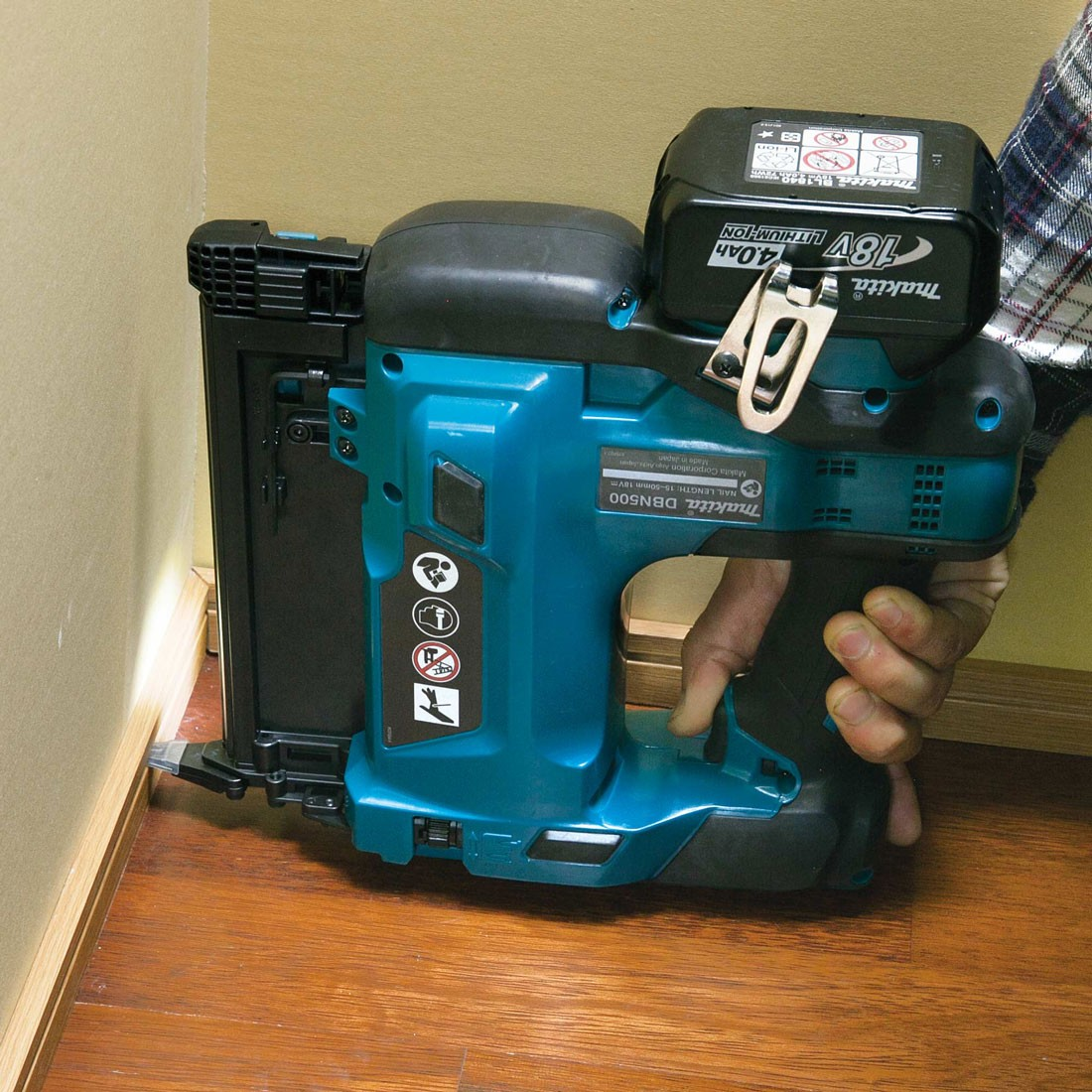 Makita Dbn500zj Lxt 18v Cordless Brad Nailer Body Only In